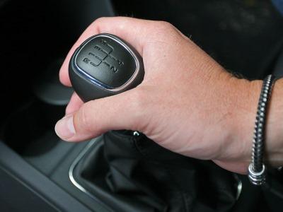 Почему автомобили на «механике» обречены быть классикой