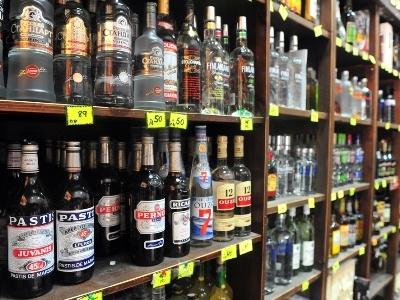 НаАЗС начнут торговать спирт