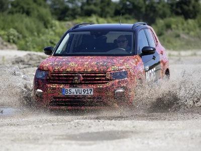 Volkswagen подразнил клиентов «паркетником» T-Cross