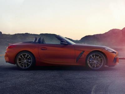 Опубликованы фотографии «живого» BMW Z4