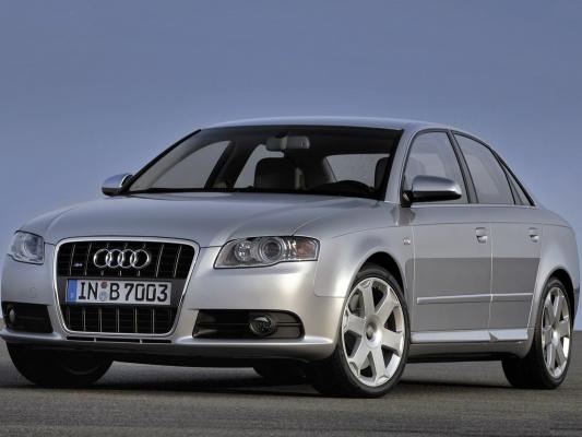 Audi S4 седан