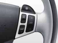 Органы управления автоматической коробки передач Sentronic и аудиосистемой на рулевом колесе