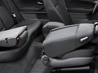 Складывающаяся спинка сиденья переднего пассажира