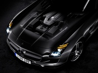 Двигатель AMG V8 объёмом 6,3 л