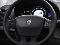Круиз-контроль с органами управления на рулевом колесе