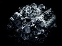 8-цилиндровый бензиновый двигатель M TwinPower Turbo