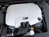 Мощный двигатель V8