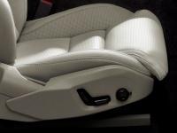 Передние сиденья с электрической регулировкой