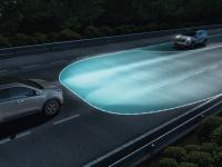 Биксеноновые фары с системой динамического освещения поворотов