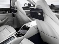 Новая мультимедийная система для задних пассажиров