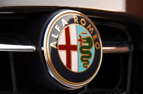 Чтобы понять Alfa-фаната, достаточно поездить на любой модели итальянской марки. Фото carclub.ru