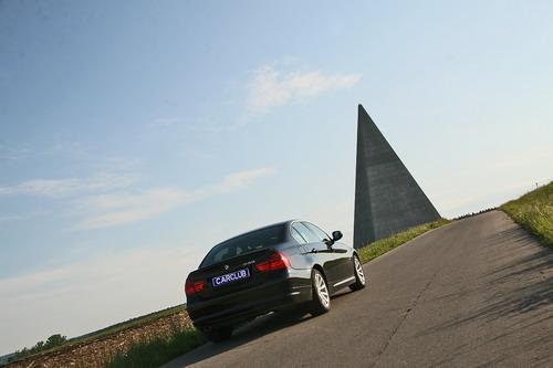 BMW 330 xDrive. Фото carclub.ru