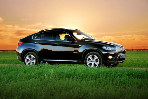 BMW X6. Фото carclub.ru