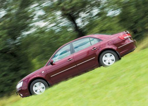 Hyundai NF Sonata. Фото Сергея Крестова с сайта 5koleso.ru