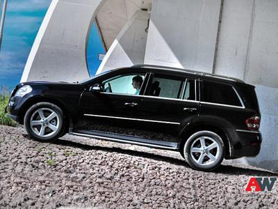 Mercedes-Benz GL-class. Фото Романа Мартынова с сайта AutoWeek.ru.