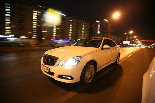 Mercedes-Benz E-Class. Фото Ленты.ру