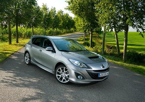"""Mazda3 MPS теперь не назовешь """"невзрачной"""". Фото Ленты.ру"""