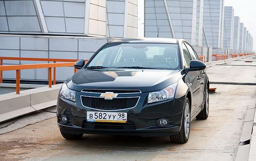 Черный седан, золотой крест - в GM подготовили беспроигрышное сочетание для российского рынка