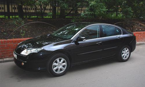Renault Laguna. Фото с сайта autonews.ru.
