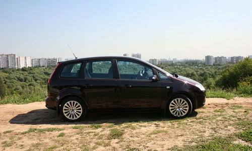 Ford C-Max. Фото с сайта autonews.ru.
