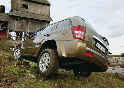 Jeep Grand Cherokee. Фото Александра Срахова-Баранова с сайта media.club4x4.ru.