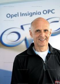 Фолькер Штрисек, директор OPC, в 1984 году стал чемпионом DTM на автомобиле BMW 635CSi. Он и сейчас периодически стартует в ралли или в гонках на Нюрбургринге