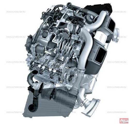 В основе 500-сильного турбомотора 3.8 — атмосферник версии Carrera S того же рабочего объема. Впрыск — непосредственный, турбокомпрессор — с изменяемой геометрией крыльчатки. По сравнению с атмосферным мотором давление впрыска выросло со 120 атм до 140 атм, а разница с прежним турбомотором 3.6 (480 л.с.) — в сниженном давлении наддува (с 1,0 атм до 0,8 атм), но увеличенной степени сжатия (с 9,0:1 до 9,8:1). Модернизированная система смазки с «сухим» картером на 4 кг легче прежней, еще 2 кг сэкономили на новой системе выпуска, а в целом двигатель сбросил 12 кг — в отличие от двигателя версии GT3, «утяжеленного» стальными гильзами цилиндров, турбоблок остался полностью алюминиевым