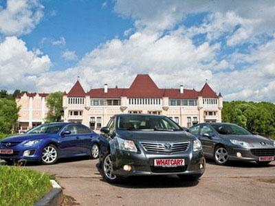 Mazda 6, Toyota Avensis и Peugeot 407. Фото Яна Сегала с сайта whatcar.ru